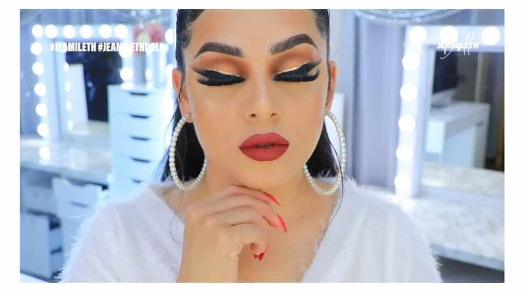 ¡Delineado infinito con glitter! La nueva tendencia brasilera de maquillaje para ojos resultado final