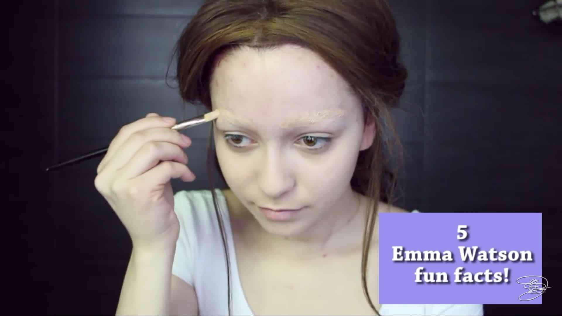 Maquíllate como la princesa la Bella de Emma Watson Jbunzie 2020, corrector de cejas.