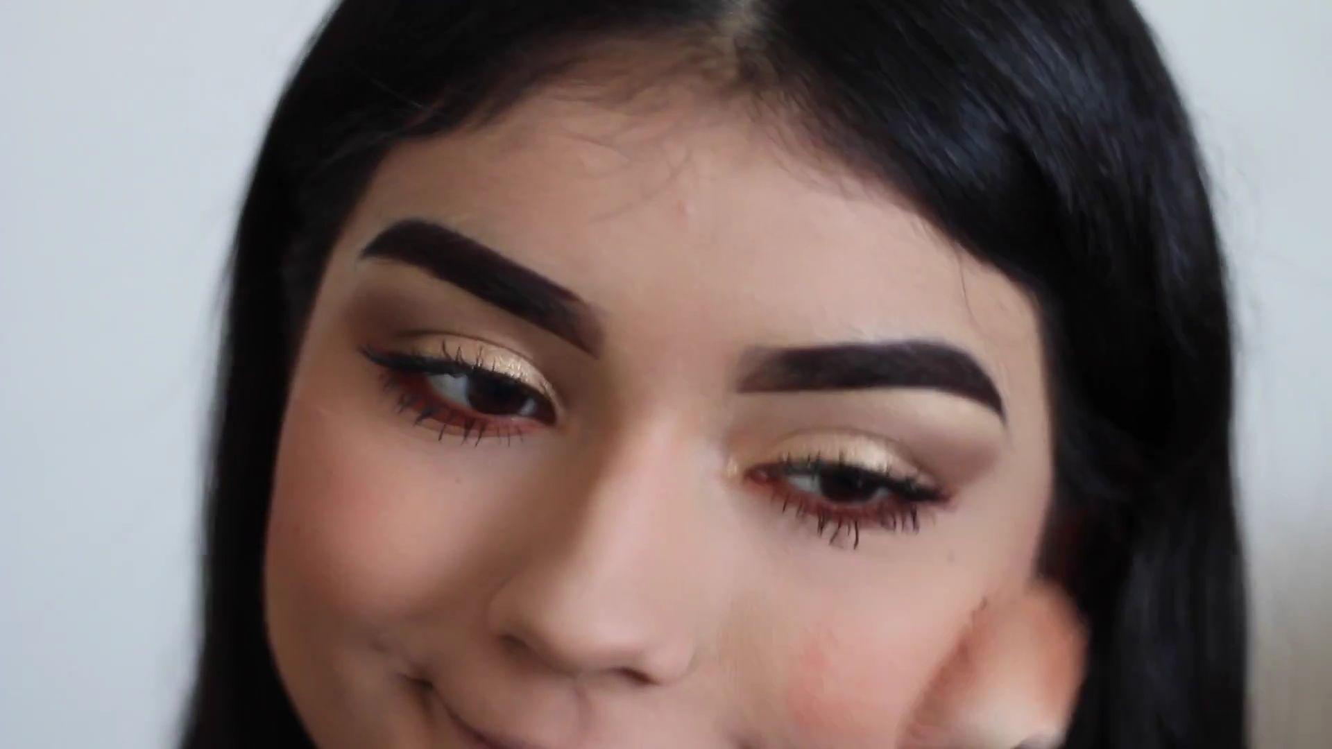 Paulina del Campo Maquillaje para cuando tienes pereza 2020, rubor en las mejillas.
