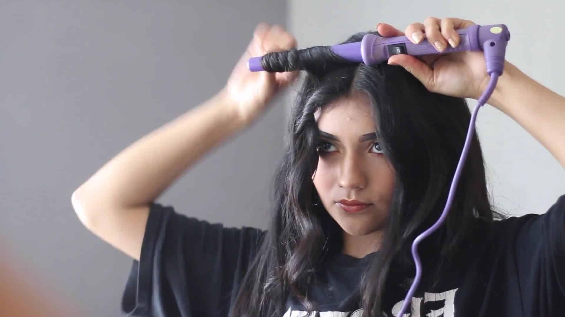 Paulina del Campo Maquillaje para cuando tienes pereza 2020, rizadora de cabello, ondas, outfit.