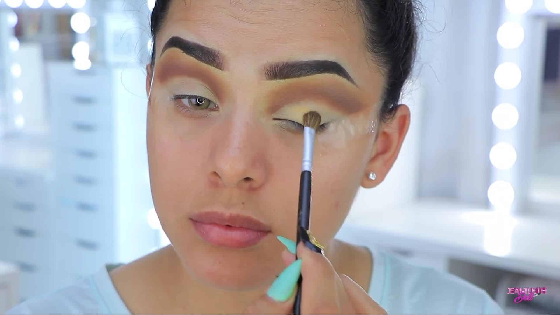 Maquillate como Jasmine facil y rapido Jeamileth Doll 2020, difuminado con sombra.