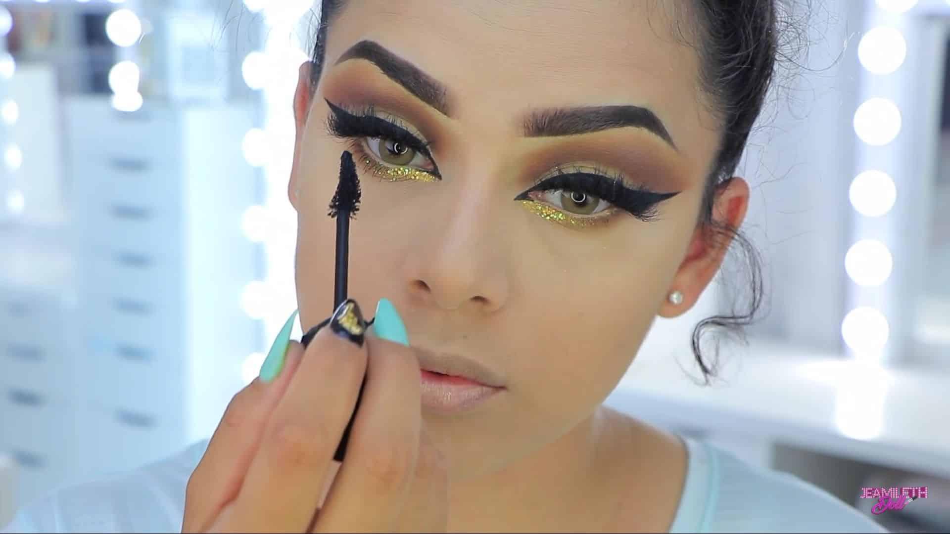 Maquillate como Jasmine facil y rapido Jeamileth Doll 2020, rimel de las pestañas inferiores.