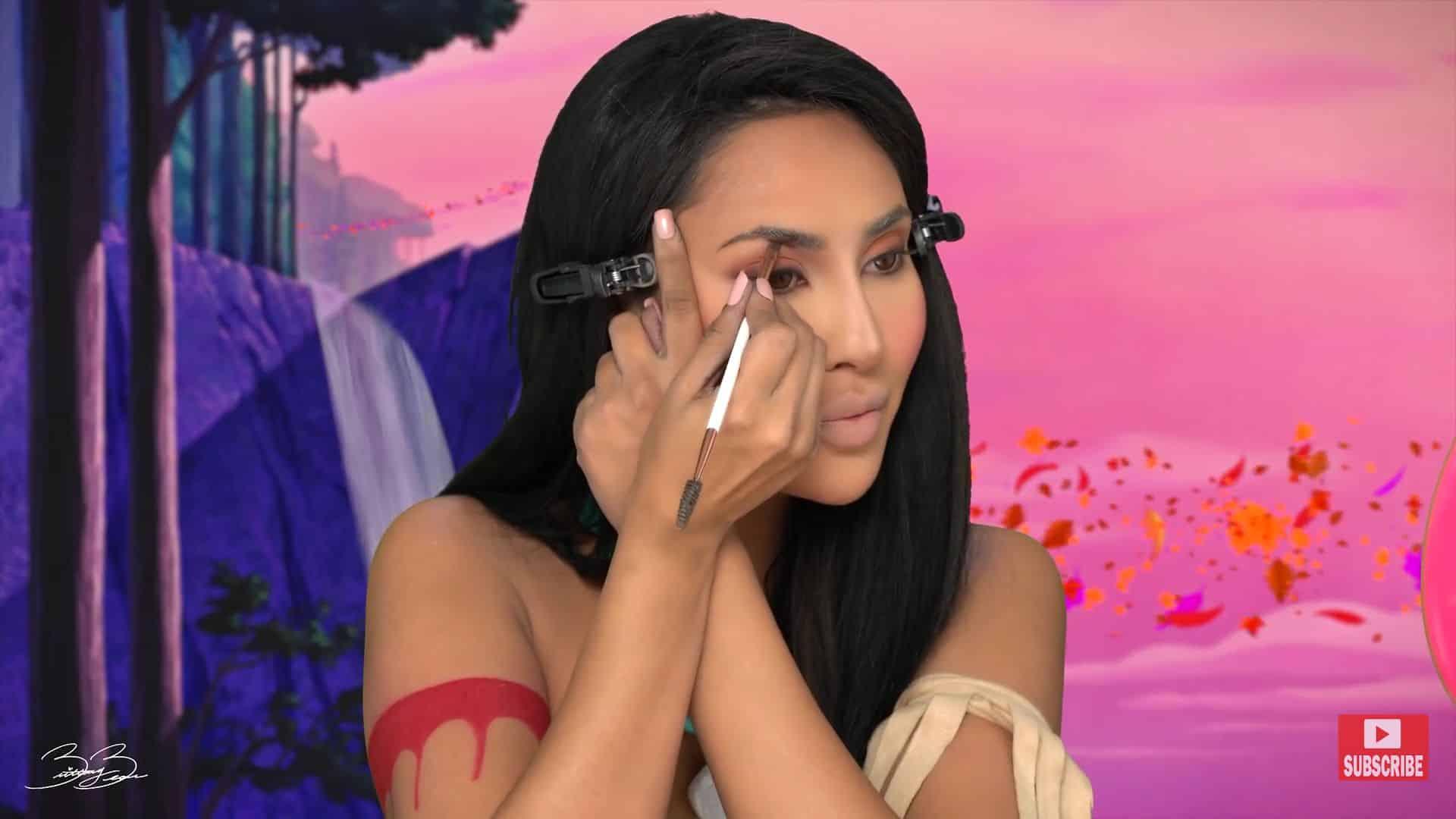 Maquíllate como la princesa Pocahontas,BrittanyBearMakeup 2020. maquillaje de cejas.
