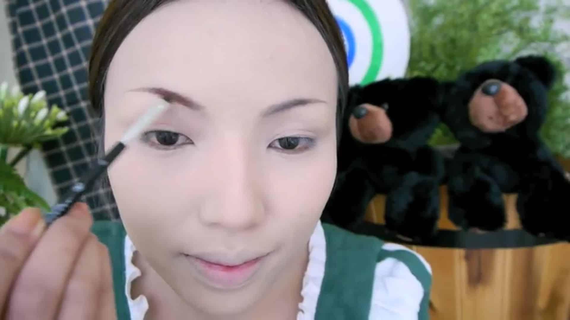 Maquíllate como la valiente Mérida dope2111 2020, maquillaje de cejas.