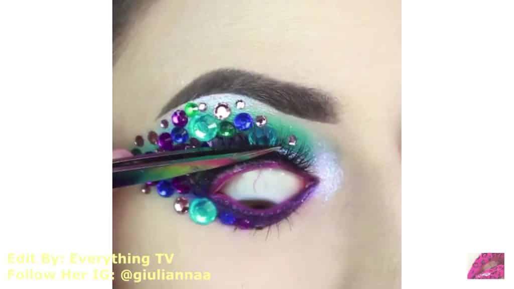 Hermosos diseños de fantasía para los ojos Samantha Hermoso 2020, brillante y pestañas postizas.