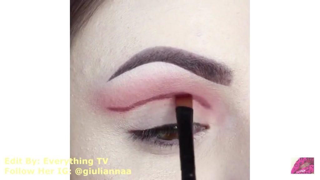 Hermosos diseños de fantasía para los ojos Samantha Hermoso 2020, dibujar cuenca del ojo