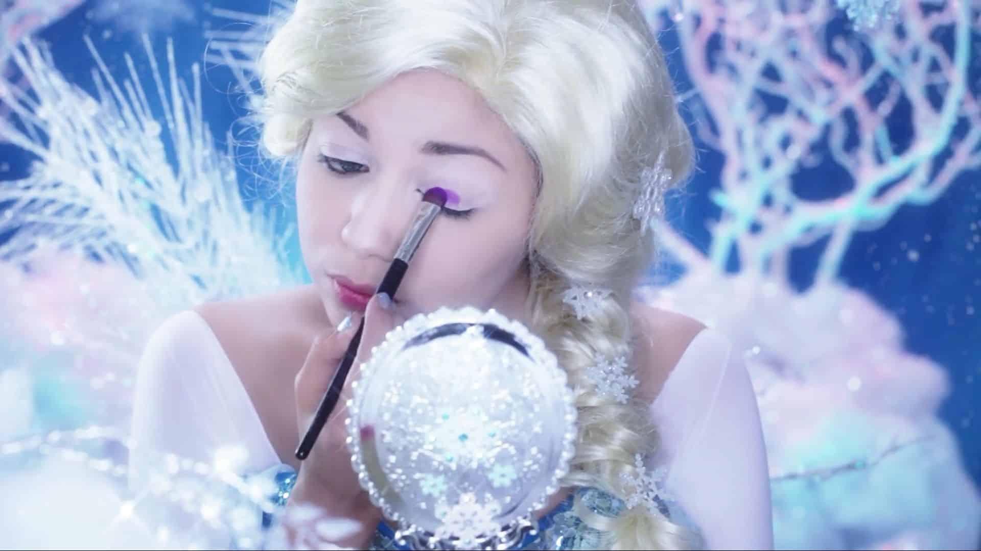 Maquíllate como la princesa Elsa Charisma Star 2020, sellado de corrector con sombra violeta
