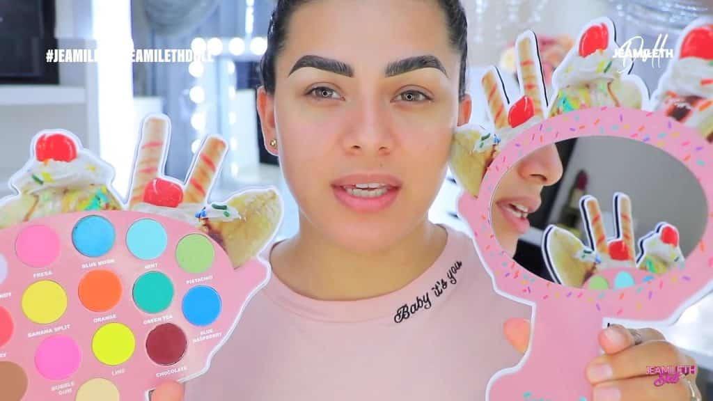 sugary cosmetics coleccion 2020 Jeamileth Doll2020, paleta de sombra por dentro