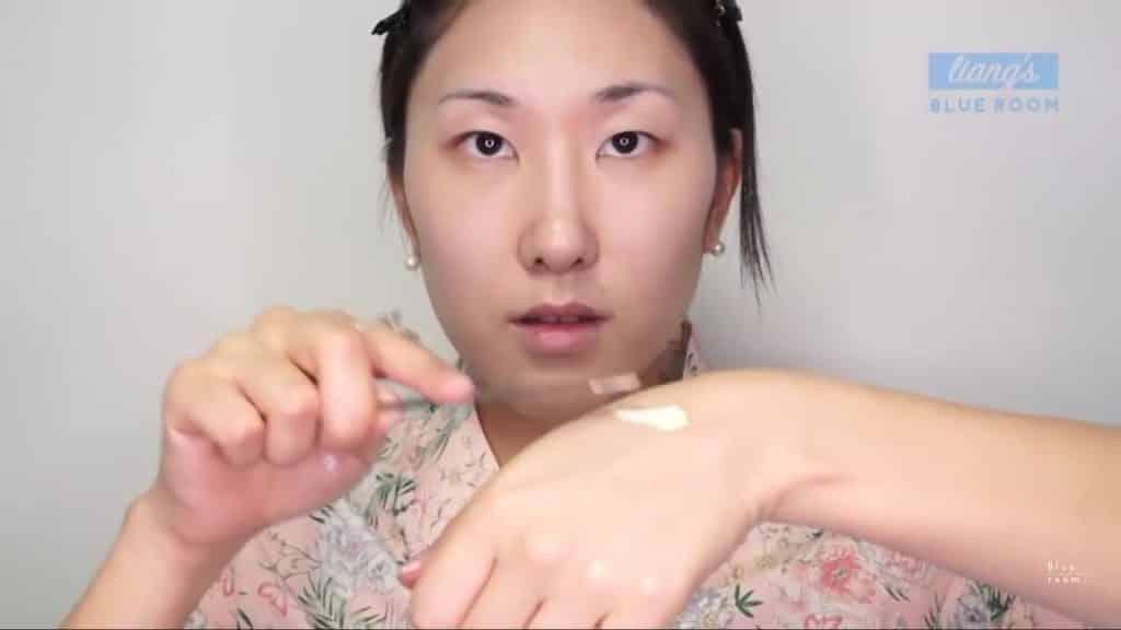 Maquíllate como la hermosa  Mulan  Liang �량� 파란방2020, base y polvo translucido.