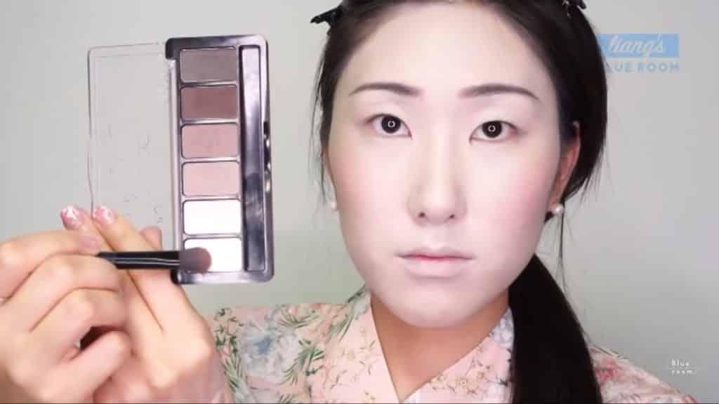 Maquíllate como la hermosa  Mulan  Liang �량� 파란방2020, sombra blanca para el hueso del ojo