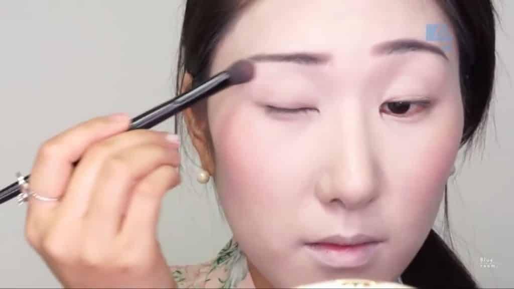 Maquíllate como la hermosa  Mulan  Liang �량� 파란방2020, aplicación de la sombra blanca