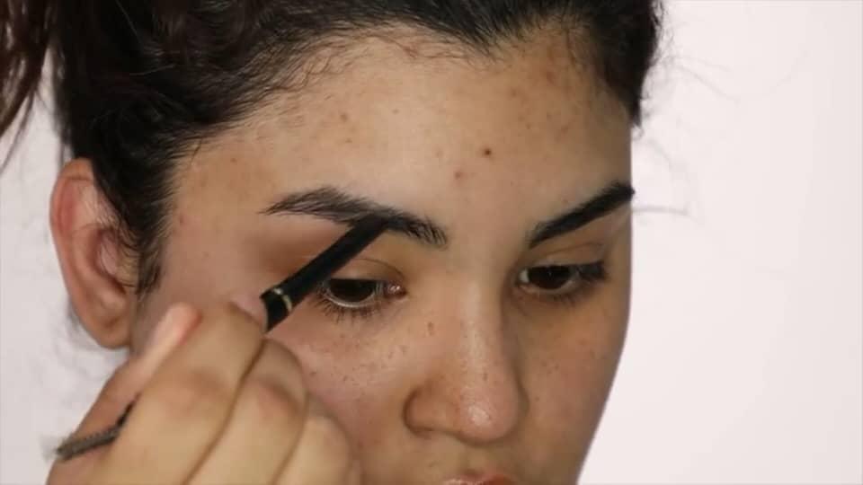 Rocibella maquillaje de novia fácil 2020 lápiz de cejas aplicación
