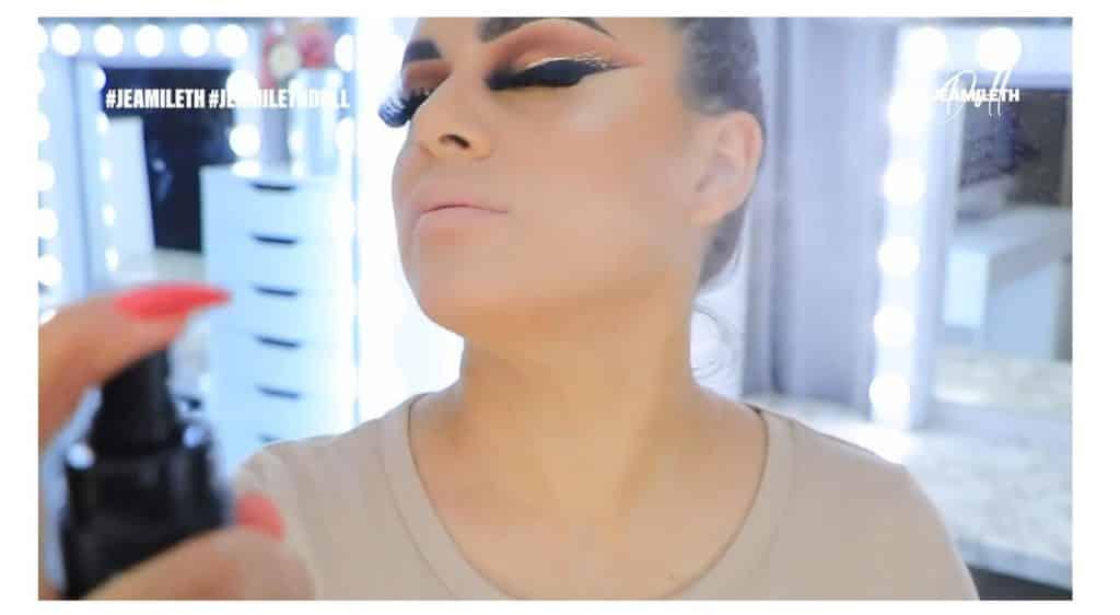 ¡Delineado infinito con glitter! La nueva tendencia brasilera de maquillaje para ojos sellar maquillaje
