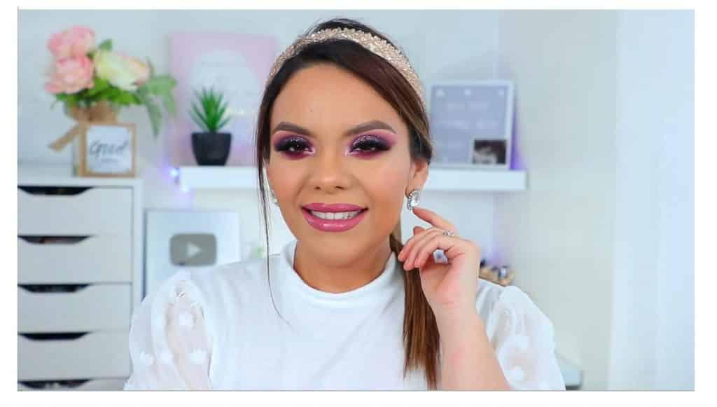 maquillaje de noche 2020 maquillaje dramático con glitter bissú Yoshi Meza resultado final del maquillaje