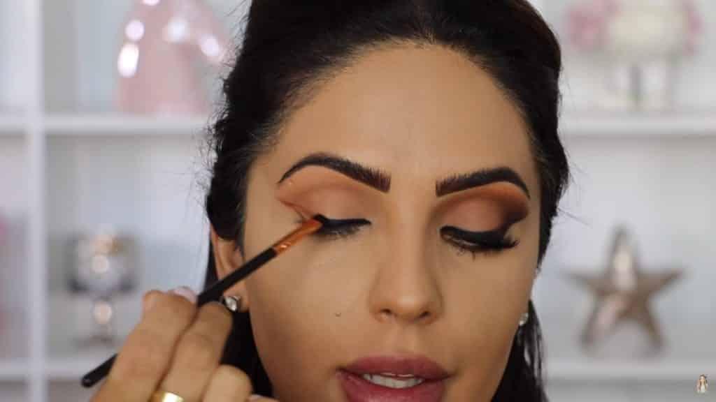 Maquillaje de ojos actual 2020 con Jackie Hernandez cerramos el delineado