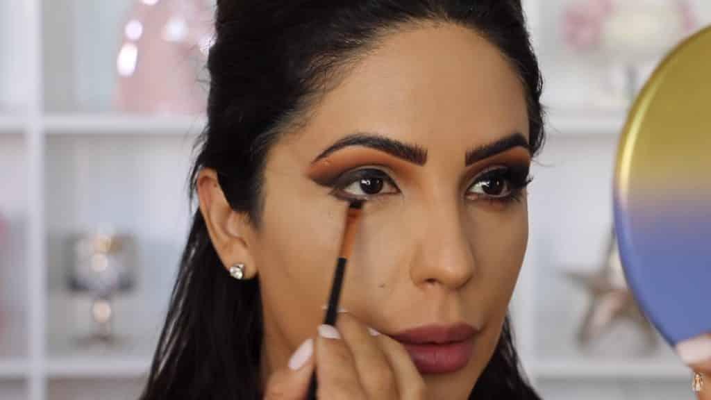Maquillaje de ojos actual 2020 con Jackie Hernandez delineamos párpado inferior