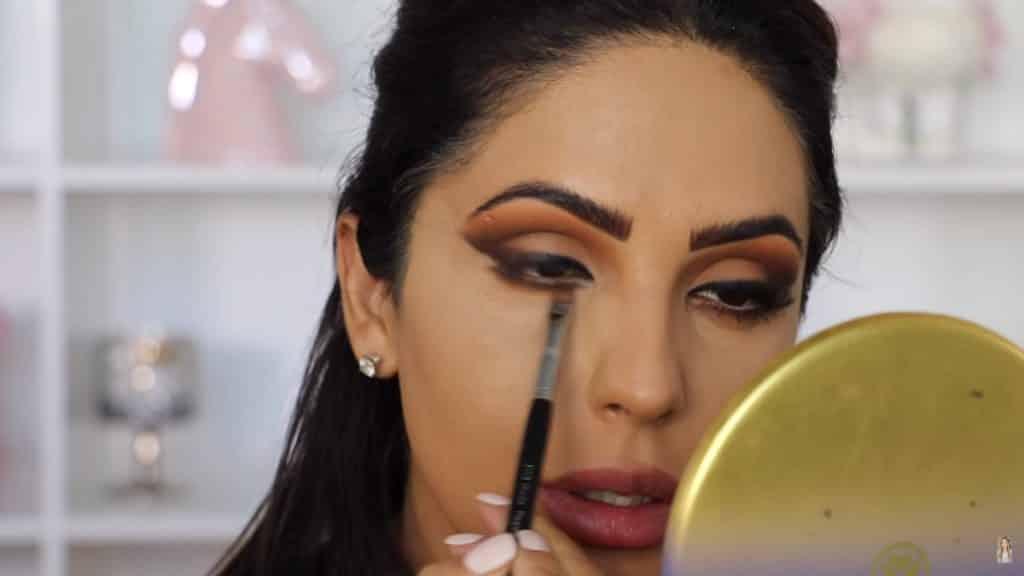 Maquillaje de ojos actual 2020 con Jackie Hernandez delineamos párpado inferior con un segundo tono