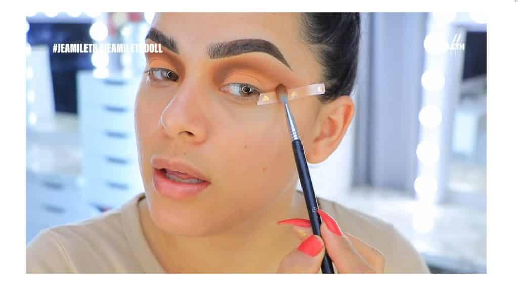 ¡Delineado infinito con glitter! La nueva tendencia brasilera de maquillaje para ojos maquillar el canto externo