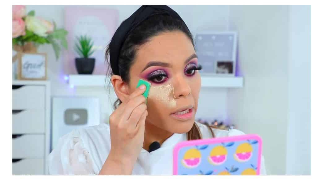 maquillaje de noche 2020 maquillaje dramático con glitter bissú Yoshi Meza polvo banana