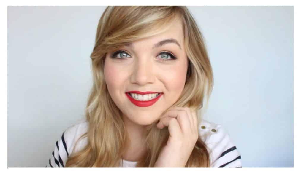 Maquillaje sencillo para unos labios rojos perfectos y con intensidad de color resultado final
