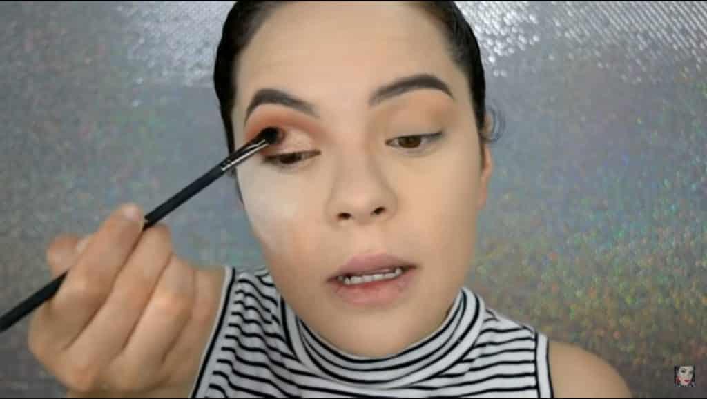 maquillaje con productos económicos 2020 aplicamos sombra