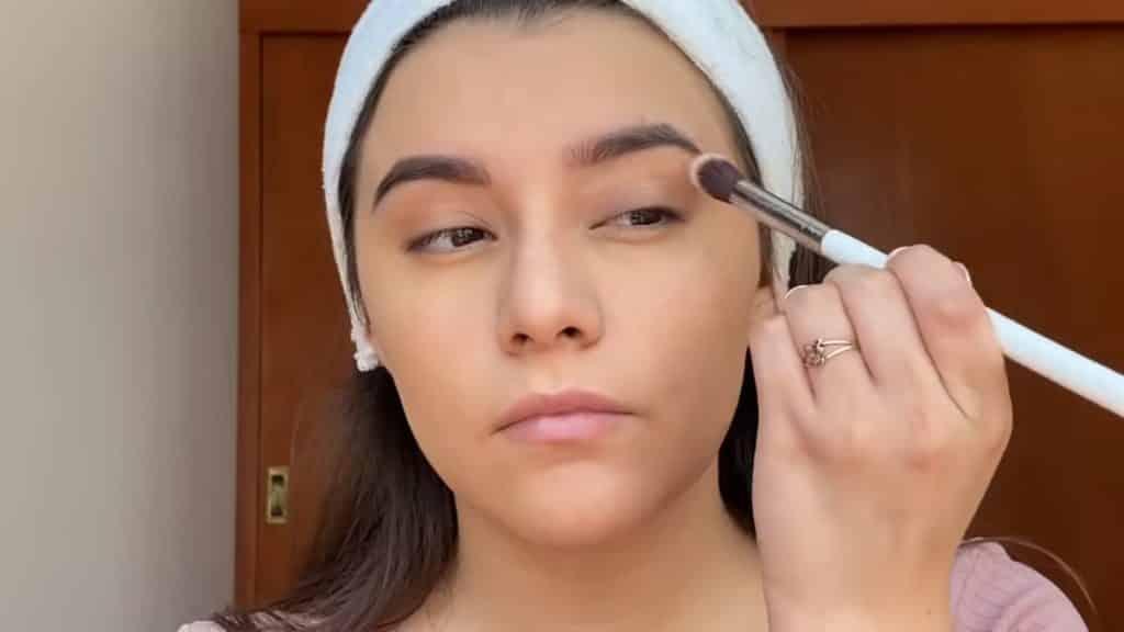 maquillaje para adolescentes 2020 anel flynn prebase párpados kara beauty