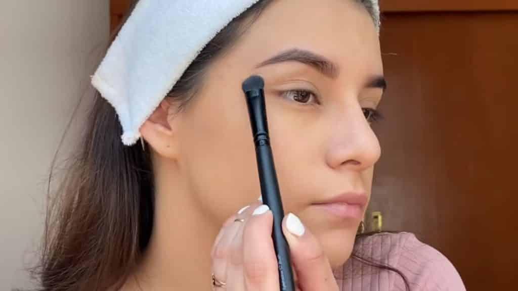 maquillaje para adolescentes 2020 anel flynn aplica sombra twlight