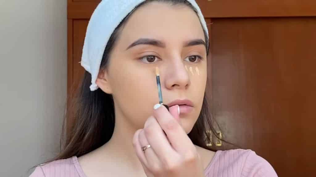 maquillaje para adolescentes 2020 anel flynn corrector iluminamos