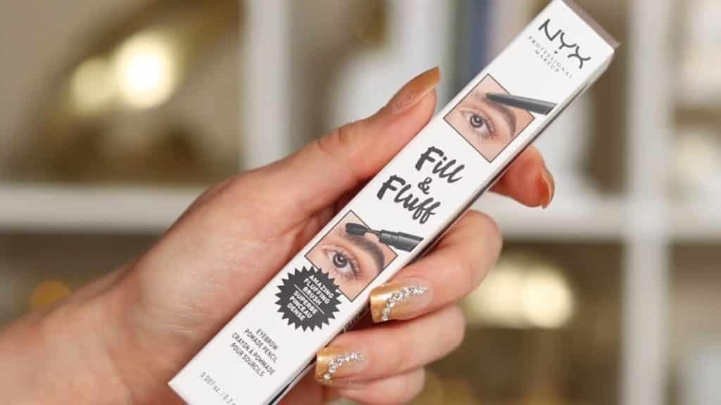 Maquillaje de cejas tendencias 2020 Rosy McMichael y Nyx Professional Makeup fill & Fluff