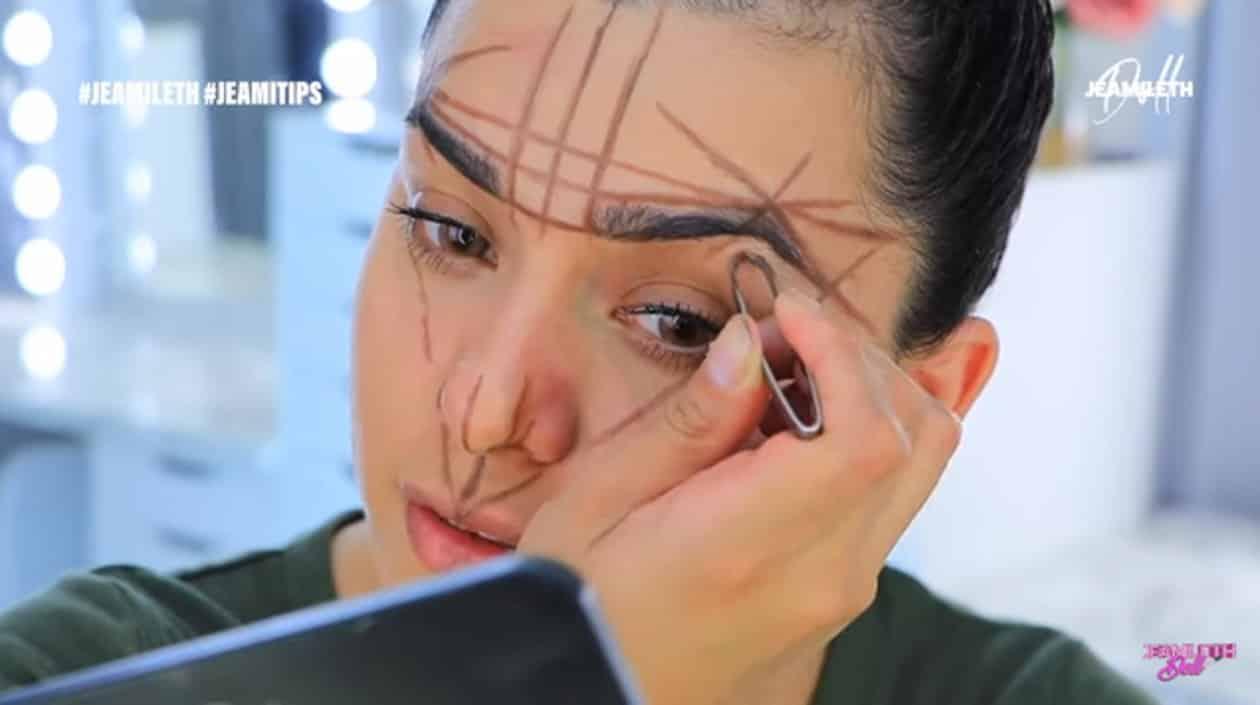 Hora de la depilación en el diseño de cejas perfectas 2020 jeamileth doll