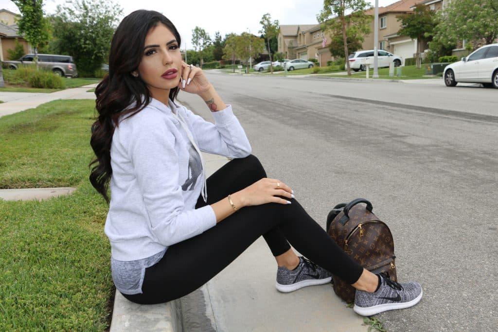 """¿Qué tienen en común Rosy McMichael y Jackie Hernández?: Ambas le dijeron """"NO"""" a los implantes de pecho"""