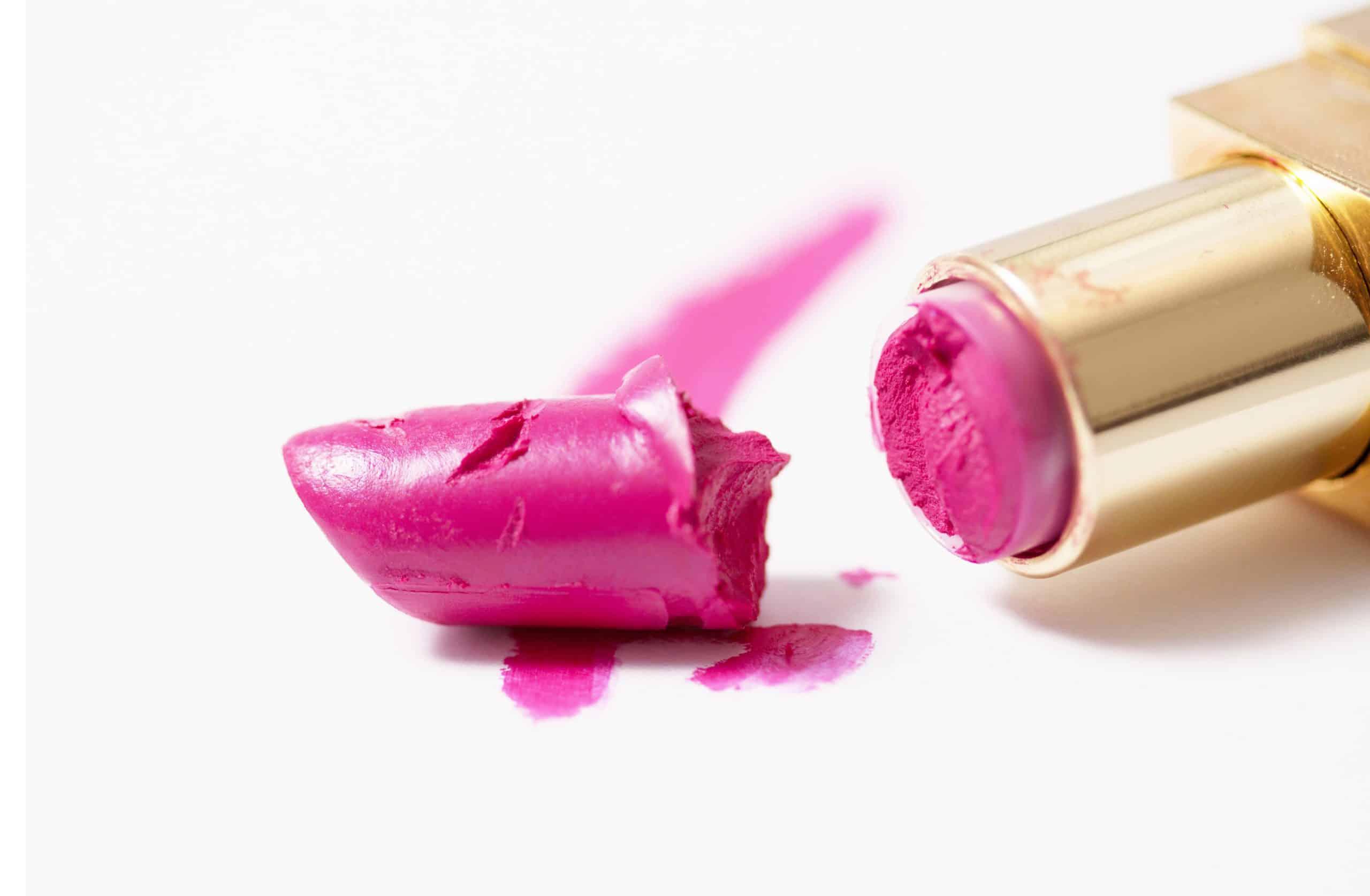 ¿Maquillaje Roto? 2 trucos que debes saber para arreglar tus sombras y labiales