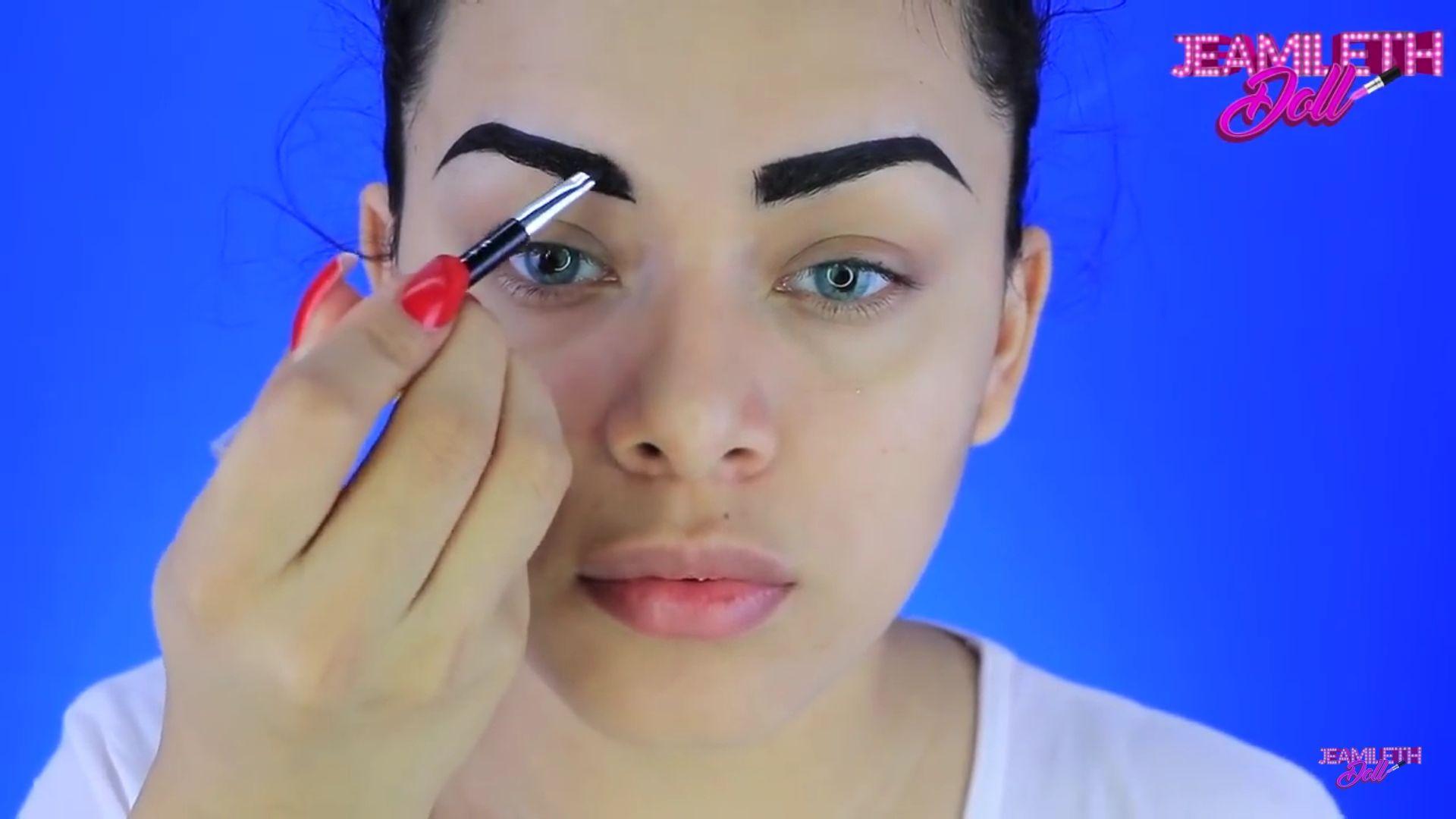 Maquíllate como la mujer maravilla pop art Doll 2020, acuarela para cejas