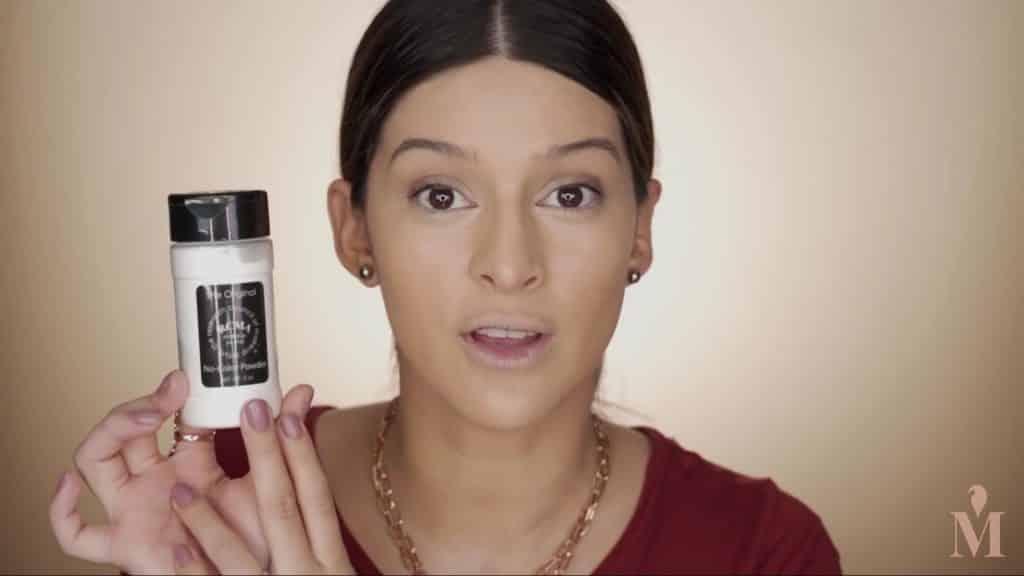 Maquillaje de verano duradero Mariana Zambrano 2020, polvo para sellar