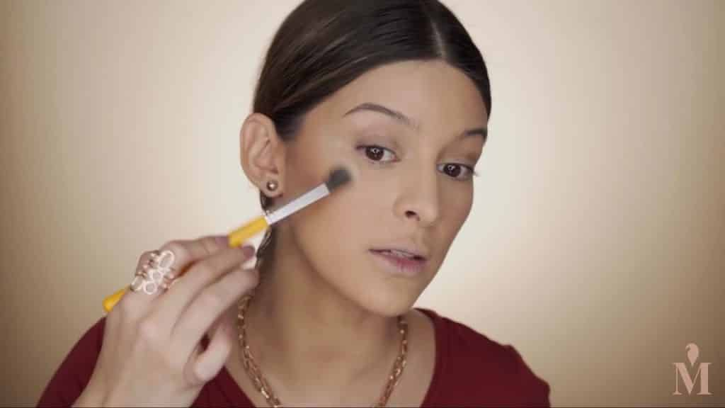 Maquillaje de verano duradero Mariana Zambrano 2020. iluminador