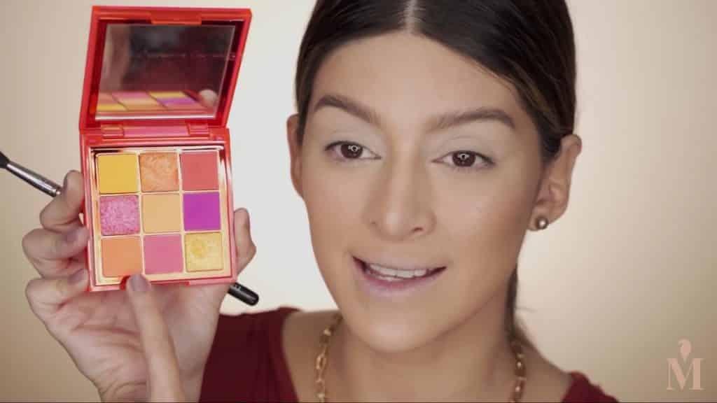 Maquillaje de verano duradero Mariana Zambrano 2020. sombra naranja