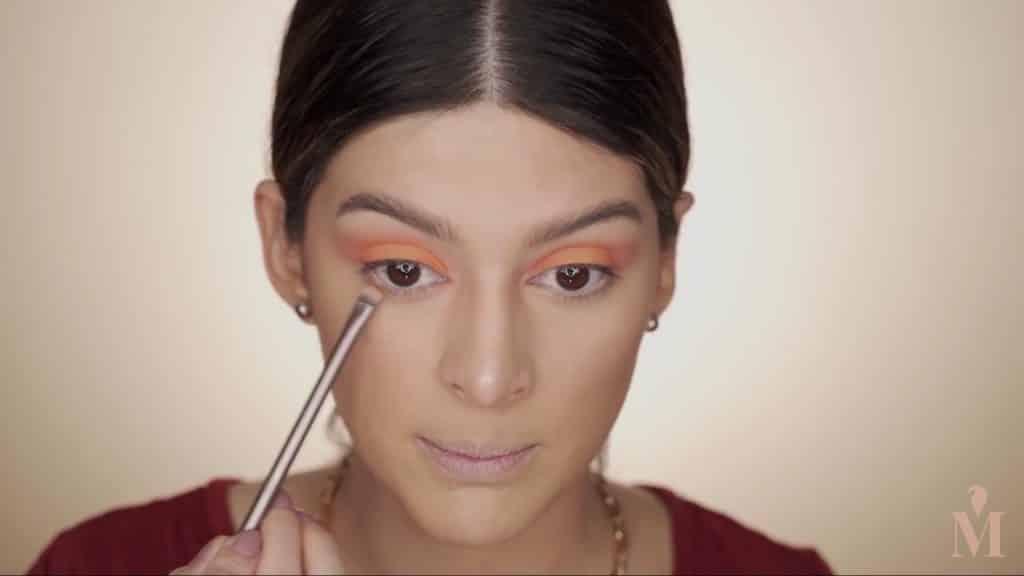 Maquillaje de verano duradero Mariana Zambrano 2020, sombra marrón, debajo de la linea de agua