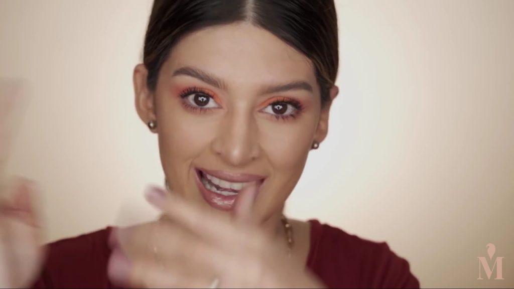 Maquillaje de verano duradero Mariana Zambrano 2020, labial color bronce