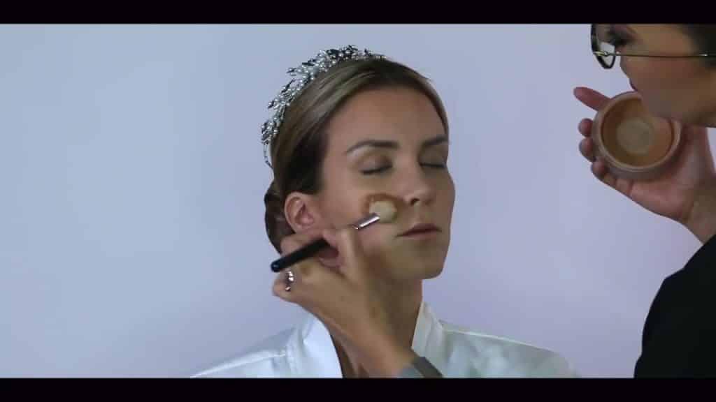 NOVIA DE DÍA | Maquillaje por CRISTINA CUELLAR - Aplicación de bronceador en crema