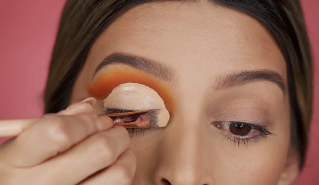 Cut Crease paso a paso 2020 por Mariana Zambrano Marcamos de forma orgánica la redondez del ojo con bastante maquillaje