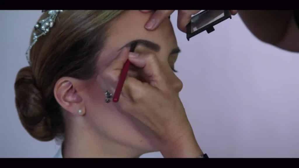 NOVIA DE DÍA | Maquillaje por CRISTINA CUELLAR - Sombreado de las cejas
