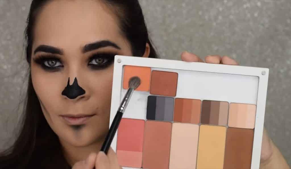 Maquillaje de calavera fácil para Halloween 2020