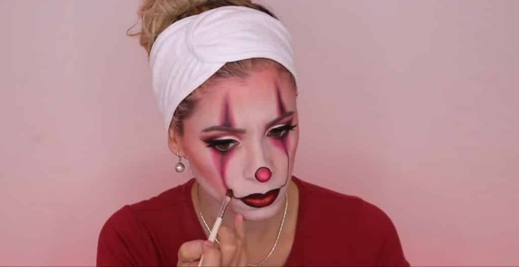 maquillaje halloween 2020 Pennywise mujer