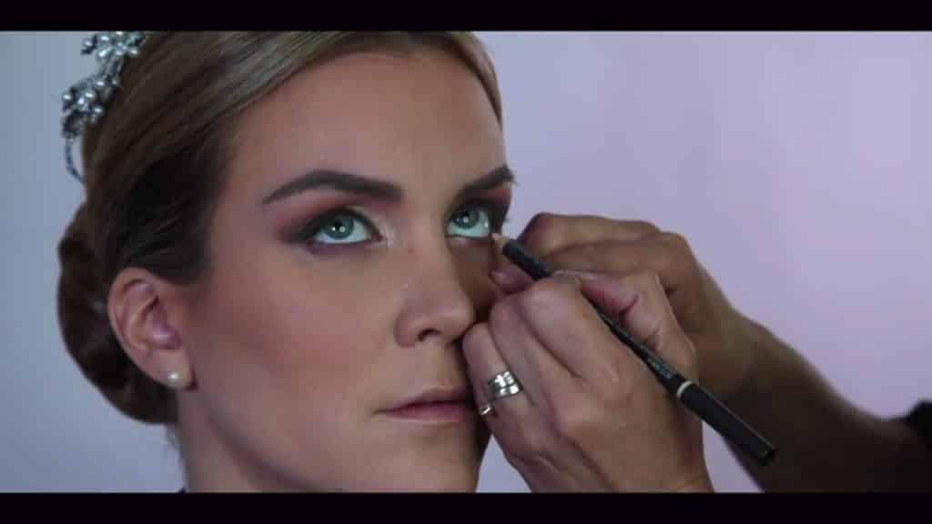 NOVIA DE DÍA | Maquillaje por CRISTINA CUELLAR - Delineado línea agua inferior