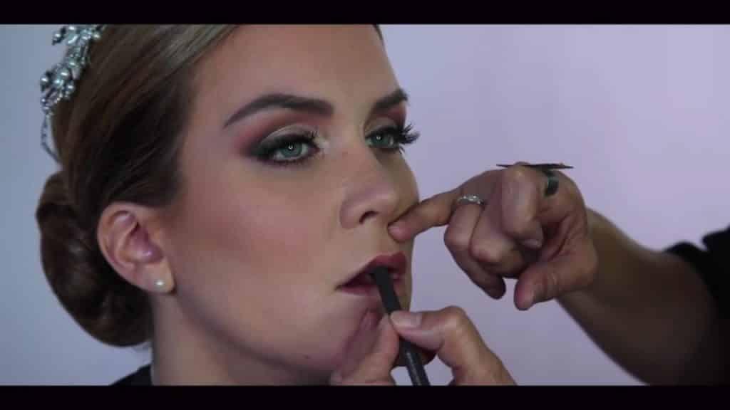NOVIA DE DÍA | Maquillaje por CRISTINA CUELLAR - Delineado de los labios