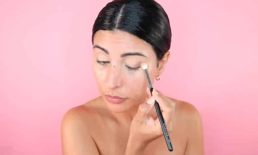 Maquillaje de verano para la noche paso a paso sella el concealer