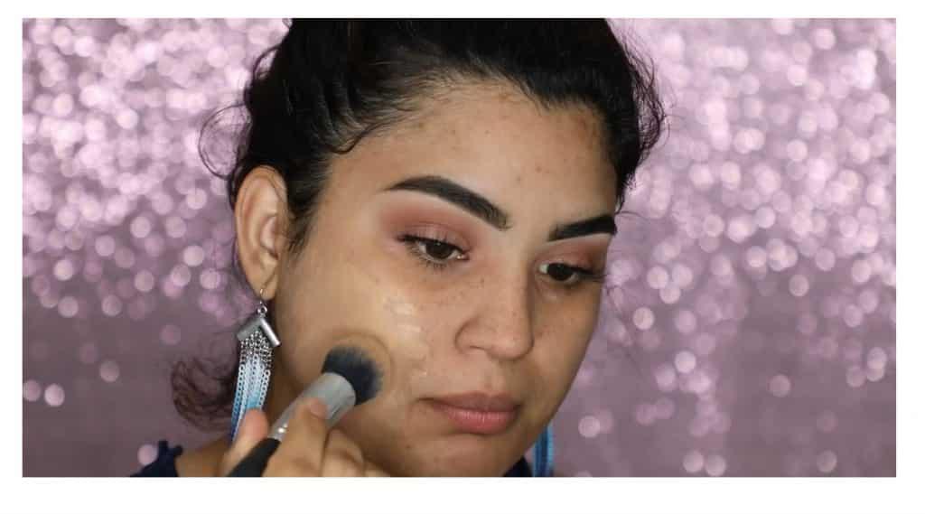 Aprende a hacer un maquillaje duradero para verano con este tutorial de Roccibella base