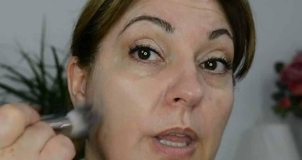 Maquillaje de verano para pieles maduras ¡Tutorial! Base