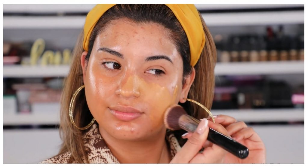 ¡Tutorial! Aprende a maquillar tus ojos de animal print con Roccibella difuminado con brocha