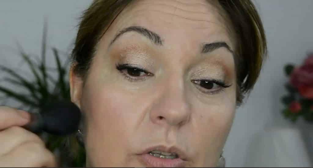Maquillaje de verano para pieles maduras ¡Tutorial! Bronceador